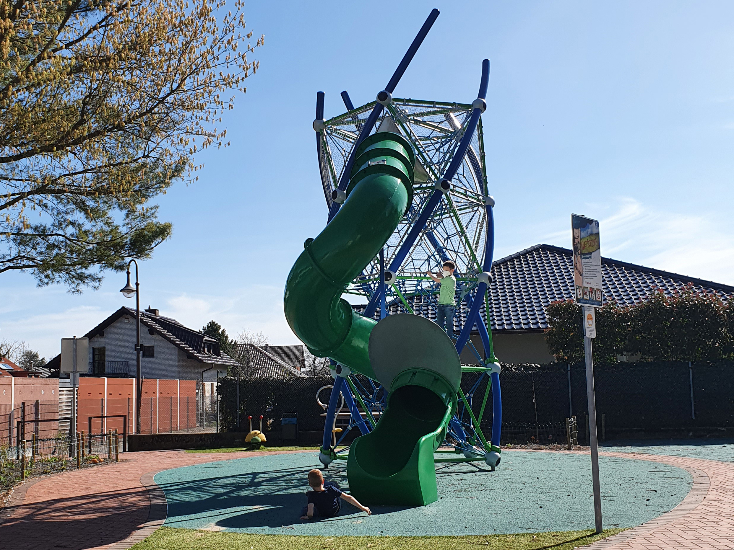 0173_Bornheim_FOT_Spielplatz_Waldorf-Schmiedegasse_210413_04
